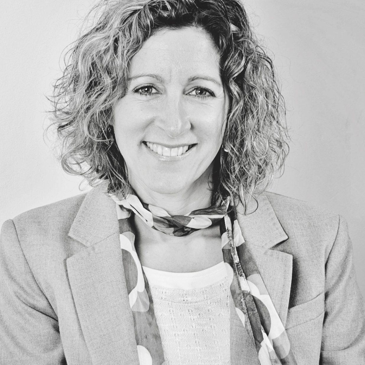 Yvette Mindel (2)